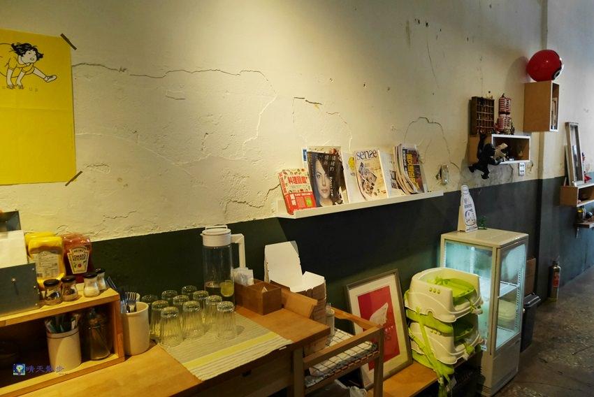 20170831143351 56 - 台中早午餐︱hoyo café~西區國美館綠園道老屋咖啡館 驚豔美味早午餐 吃不完打包抵兩餐