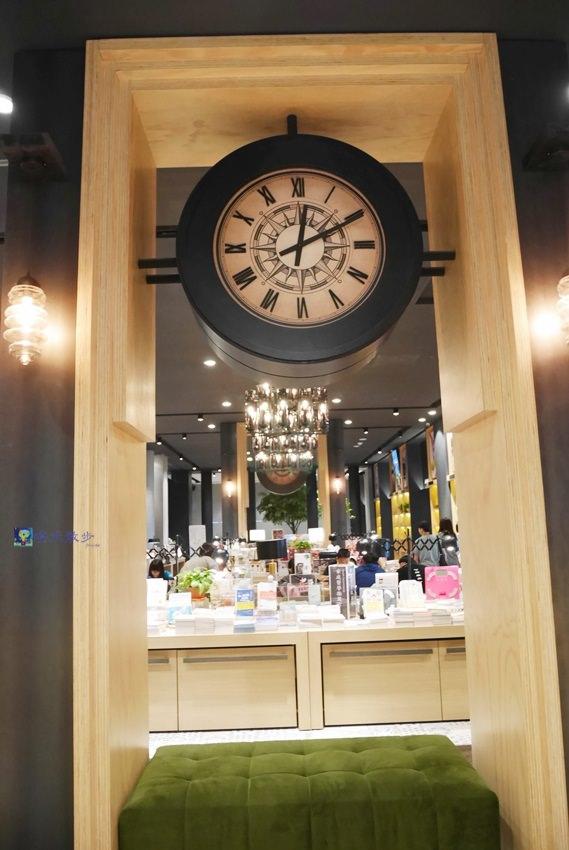 20170922095957 14 - 秀泰廣場小書房Petite Étude~中部最優雅的文青書店 IG打卡熱點 附設那個那個咖啡店