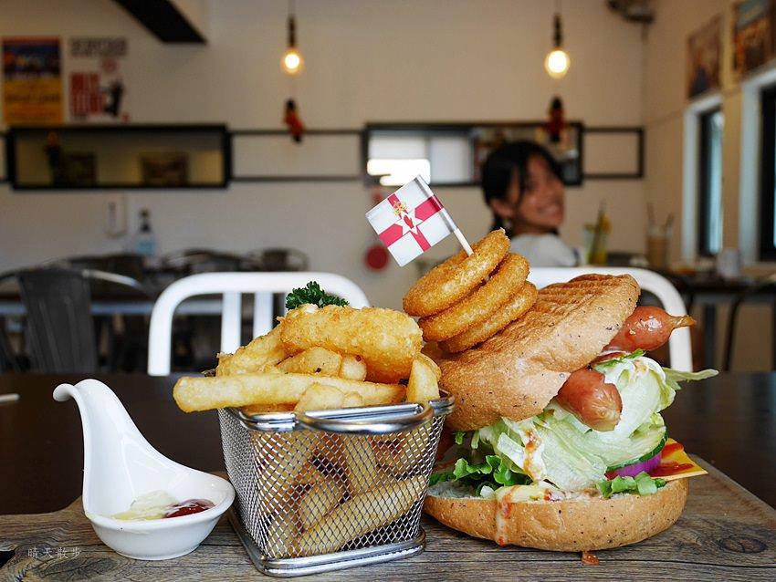20171002144255 75 - 【熱血採訪】台中早午餐|漢堡巴士Burger Bus~傳統英式早餐、英式漢堡專賣店 英國開車玩一圈 結合藝術和美食的英國風文青餐館(東區早午餐)