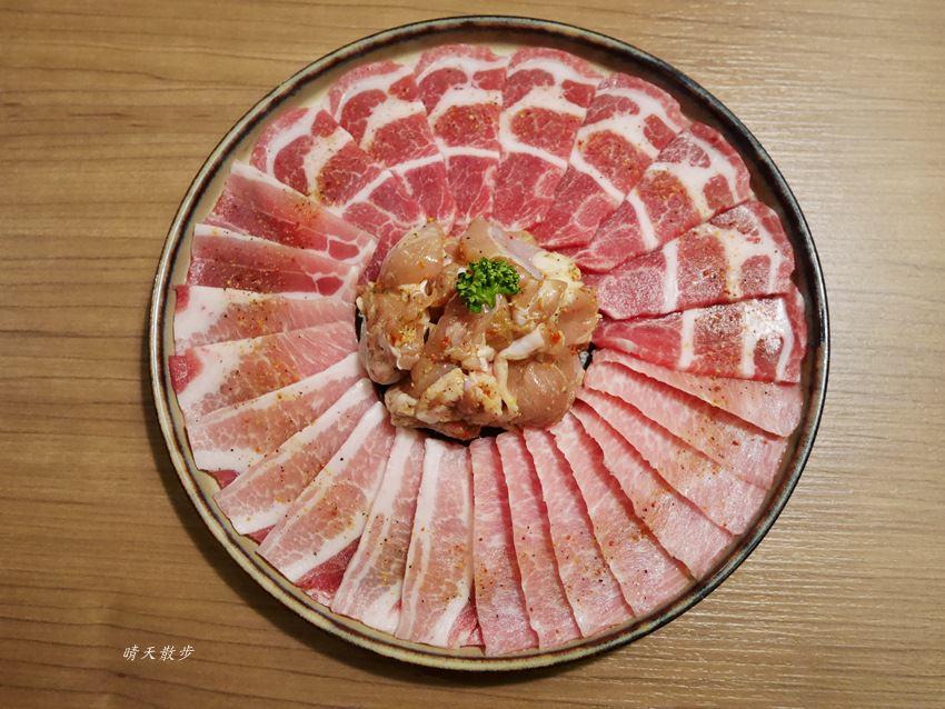 20171206002916 25 - 熱血採訪︱台中西屯燒肉:雲火日式燒肉~日本頂級黑毛和牛驚豔登場 點套餐加價購只要680元/100公克 期間限定別錯過