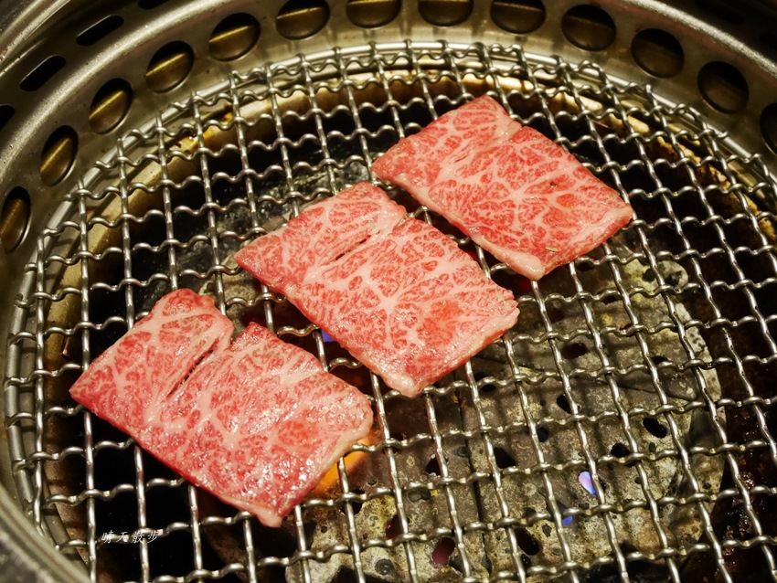 20171206003015 91 - 熱血採訪︱台中西屯燒肉:雲火日式燒肉~日本頂級黑毛和牛驚豔登場 點套餐加價購只要680元/100公克 期間限定別錯過