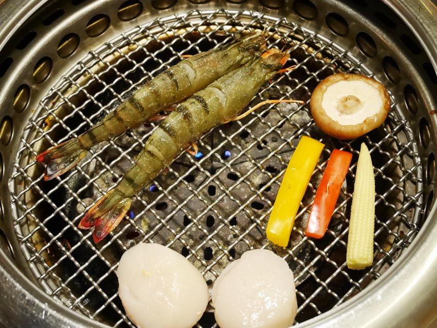 20171206003029 42 - 熱血採訪︱台中西屯燒肉:雲火日式燒肉~日本頂級黑毛和牛驚豔登場 點套餐加價購只要680元/100公克 期間限定別錯過