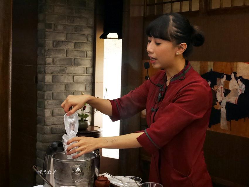 20171206235659 92 - 熱血採訪|春水堂珍珠奶茶DIY手搖體驗~搖出全世界最好喝的泡沫紅茶、珍珠奶茶 還有證書和雪克器帶回家(台中午茶生活節)