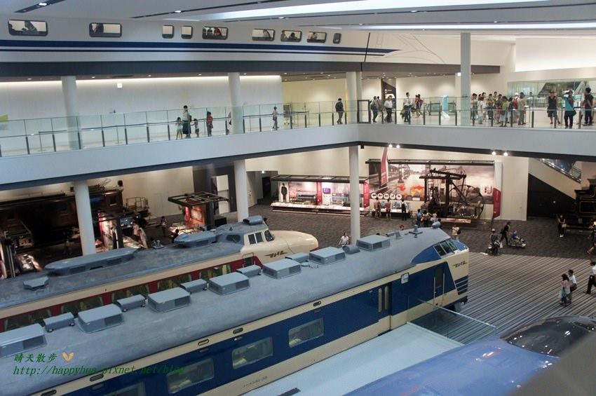 京都景點︱京都鐵道博物館 Kyoto Railway Museum(上)展覽篇~京都親子必遊景點 豐富展示與體驗 保存經典扇形車庫(附交通指引)