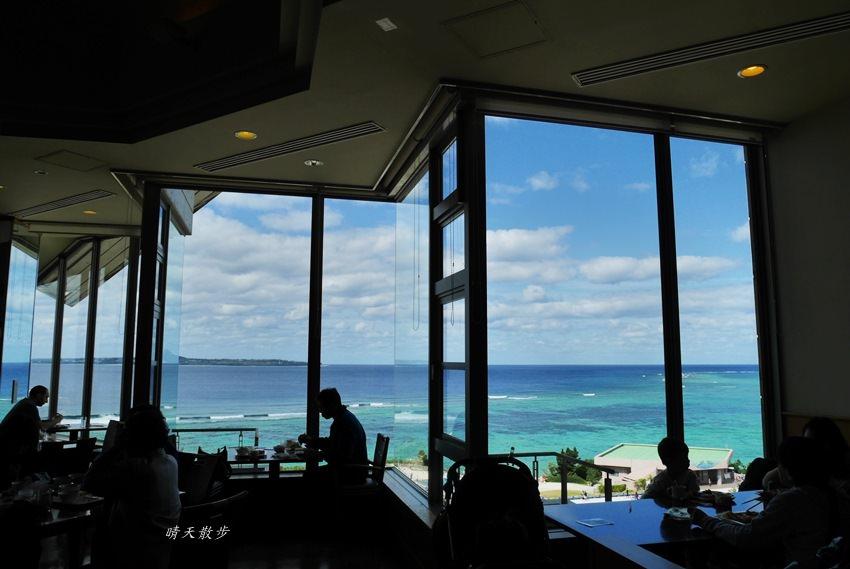 沖繩親子遊|美麗海水族館海上觀景餐廳INOH午餐吃到飽 海洋博公園無敵海景平價buffet
