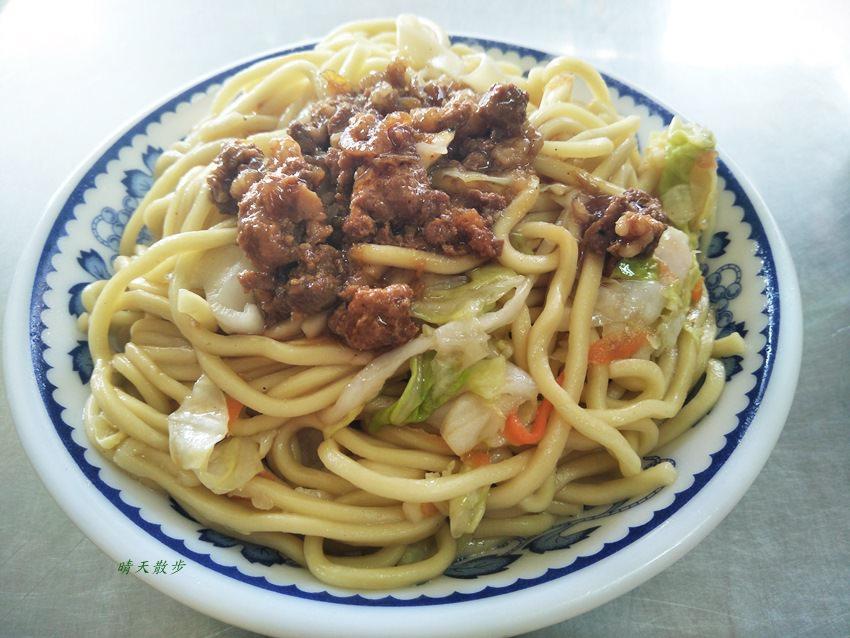 20180329195431 74 - 南屯小吃|源爌肉飯~傳統炒麵、豬血湯、大腸湯 黎明路的銅板價古早味美食