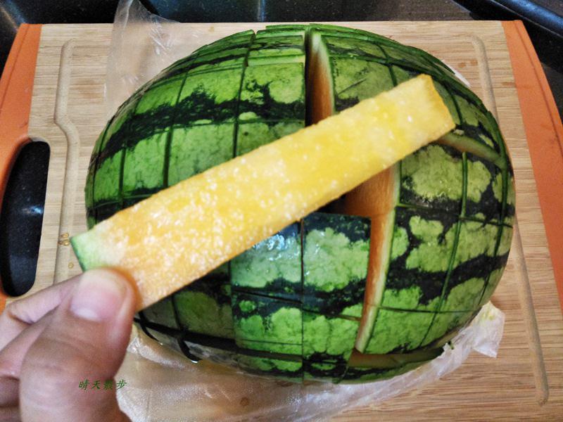 切西瓜的另一種方式~格子狀切法 好適合聚會分享