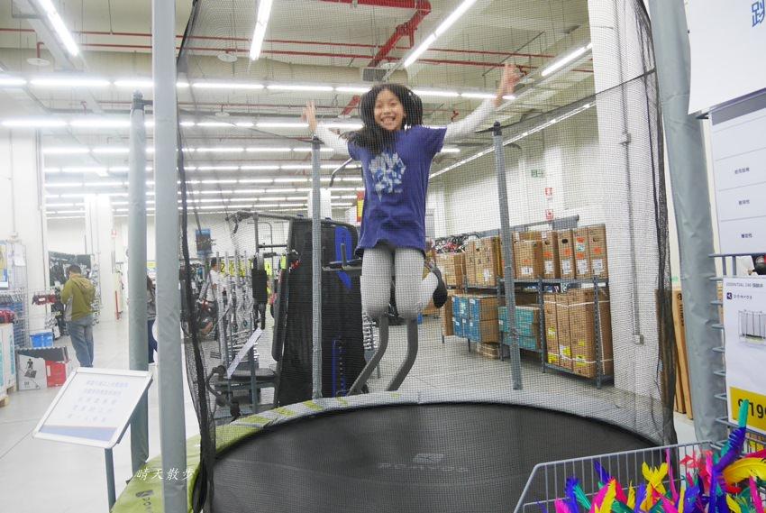 20180503221132 75 - 迪卡儂南屯店戶外運動區~桌球、籃球、兒童遊戲區、直排輪場、彈跳床通通有 比公園還好玩!