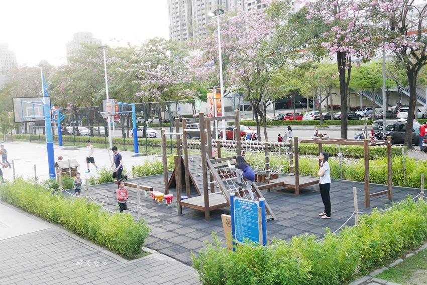 20180503221141 5 - 迪卡儂南屯店戶外運動區~桌球、籃球、兒童遊戲區、直排輪場、彈跳床通通有 比公園還好玩!