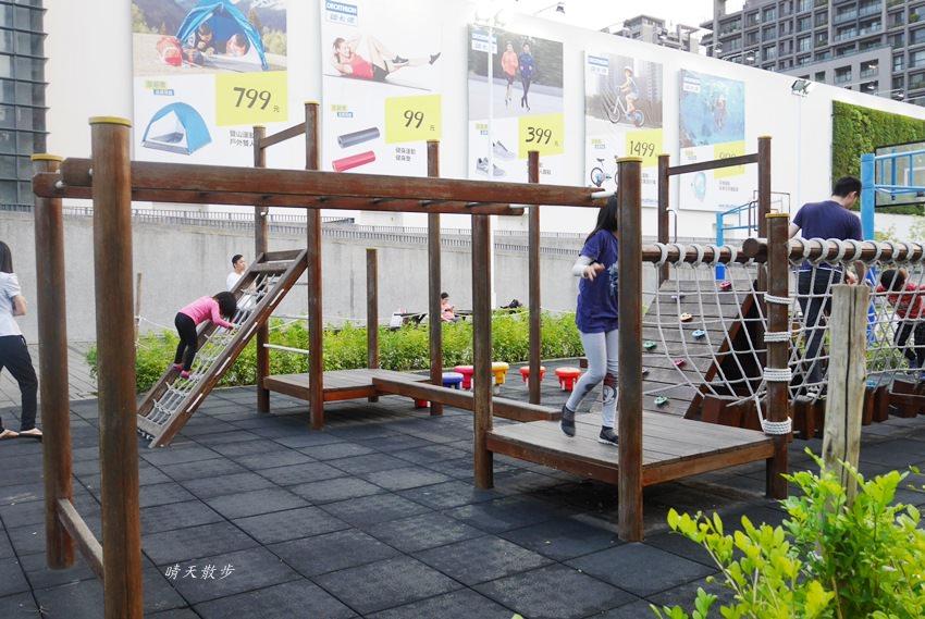 20180503221153 38 - 迪卡儂南屯店戶外運動區~桌球、籃球、兒童遊戲區、直排輪場、彈跳床通通有 比公園還好玩!