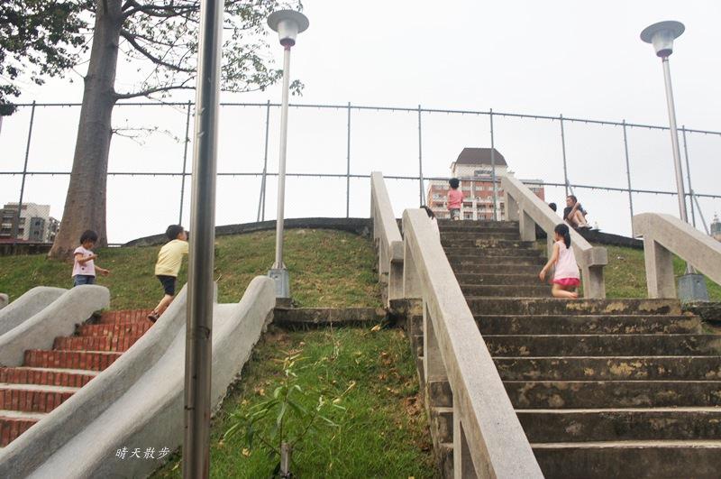 20180506194659 46 - 台中萬壽公園~最受歡迎的磨石子溜滑梯 萬壽棒球場旁