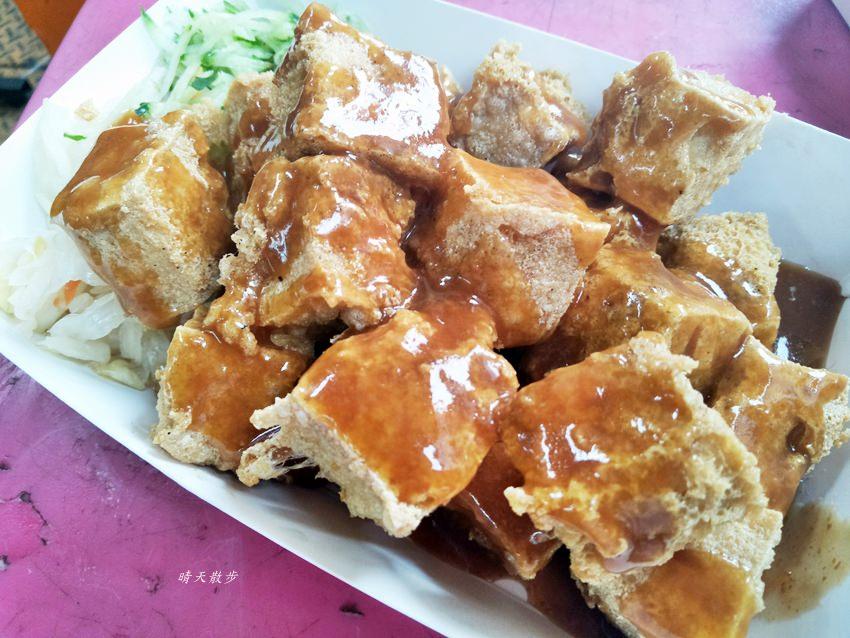 20180531214454 92 - 一中街小吃 迷你一口臭豆腐~非排隊美食一樣很美味 就在21臭豆腐對面