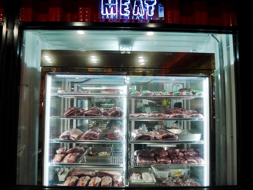 20180616224457 23 - 熱血採訪|黑牛炭火岩燒牛排~台中冷藏熟成牛肉美味餐廳 牛排熟度自由烤 自助區無限享用 德國豬腳美味無法擋