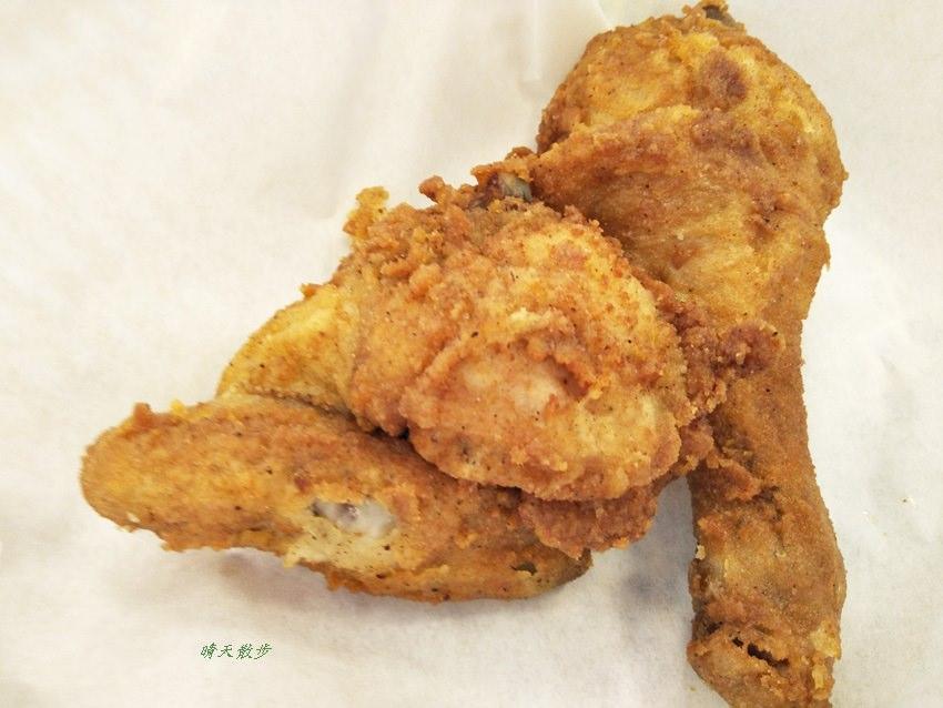 20180703013956 45 - 偽裝成披薩的雞腿排?肯德基炸雞~義式三重奏披薩雞腿排