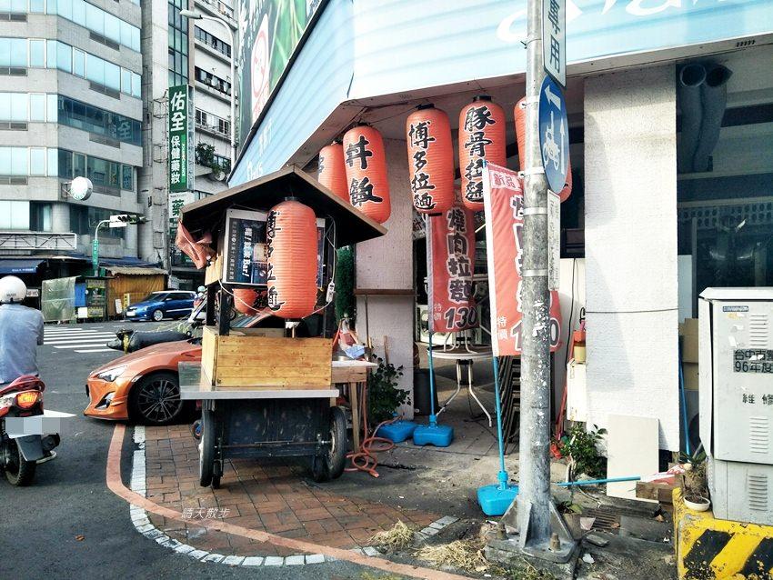 20180912233113 42 - 超酷!在台中街頭遇見變形金剛~廢鐵打造的酷炫柯博文和大黃蜂!