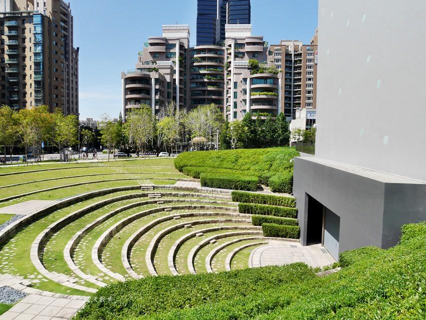 20181017180703 66 - 台中景點|台中國家歌劇院~預約定期導覽參觀 台中市民免費喔!(星期一也開放)
