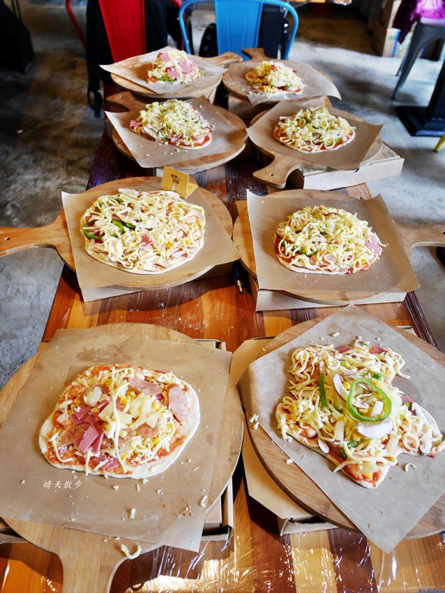 20181120161522 26 - 熱血採訪|那間披薩La Pizza~假日親子披薩DIY體驗 近中興大學 自己做的披薩最好吃!(台中披薩吃到飽餐廳)