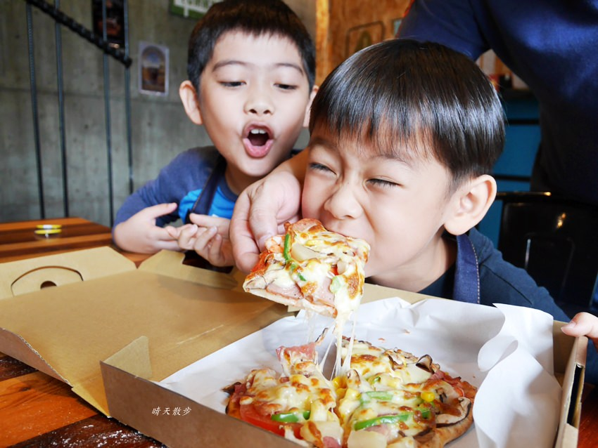 20181120161536 99 - 熱血採訪|那間披薩La Pizza~假日親子披薩DIY體驗 近中興大學 自己做的披薩最好吃!(台中披薩吃到飽餐廳)