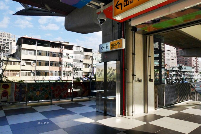 20181210133107 95 - 台中鐵路高架捷運化~挺藝術的「五權車站」 南來北往通勤很方便