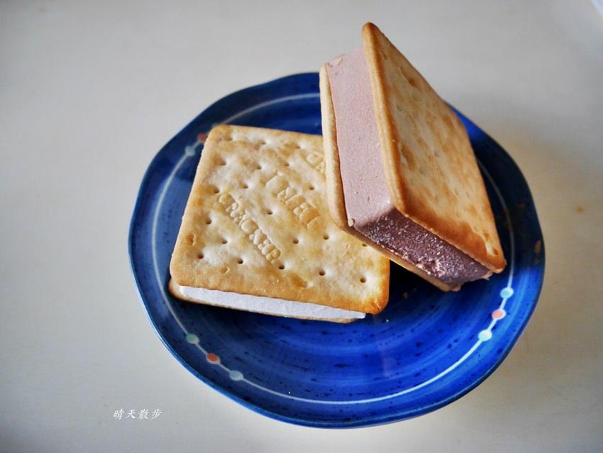 20190323234344 25 - 義美餅乾冰淇淋/義美冰淇淋餅乾~全聯買家庭號比較划算 巧克力、鮮奶口味都好吃喔