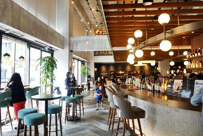 20190608220427 64 - 蔦屋書店台中市政店~在美麗的日本蔦屋書店TSUTAYA BOOKSTORE 享用Wired Tokyo的咖啡和閱讀時光