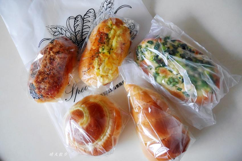 20190703164148 91 - 台中小吃|ㄅㄨㄅㄨ麵包車~台中街頭懷舊麵包車 紅標麵包五個100元!