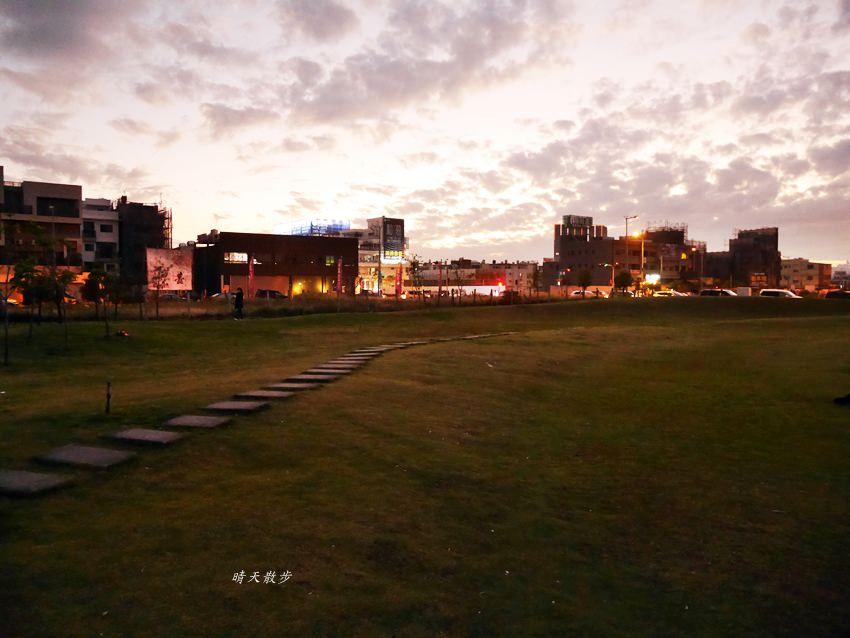 20190921163353 61 - 台中景點|月牙灣公園/台中嘉明湖~南屯人造休閒景點 拍照散步好地方