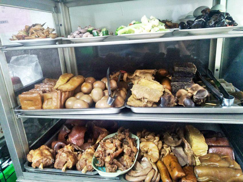 20191110144059 58 - 北屯小吃|興安路外省麵~各式麵食、餛飩、小菜、滷味 用餐時段瞬間客滿的小餐館