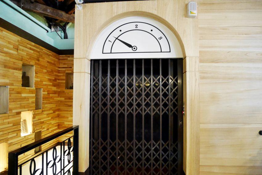 20200127134219 37 - 台灣太陽餅博物館老屋咖啡館~二樓老空間輕食區,喝咖啡配太陽餅,近台中車站(全安堂、魏爵咖啡)