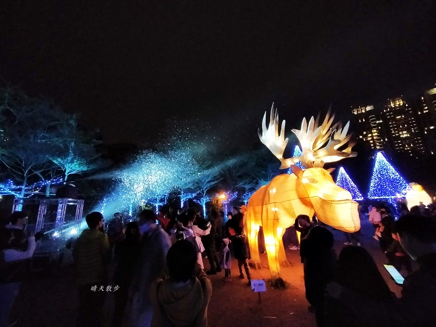 20200213164520 42 - 台中燈會|2020台灣燈會在台中,副展區文心森林公園戽斗星球動物晚上也好拍,還有人造雪喔!