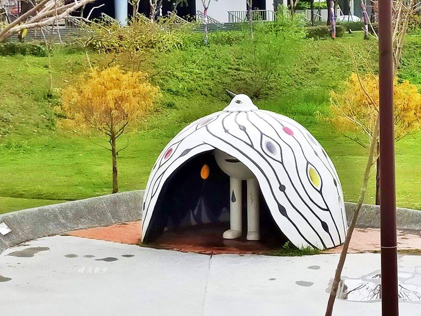 20200314003253 84 - 大里東湖公園│大里Dali Art 文創藝術廣場旁公園,大型裝置藝術作品,讓平凡公園變得超可愛!