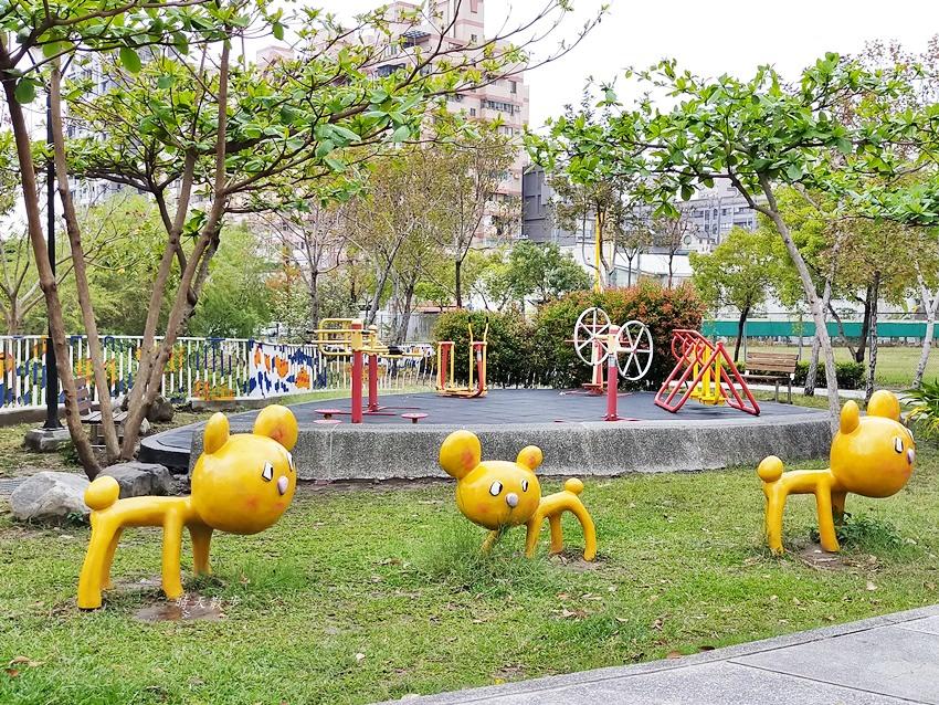 20200314003311 58 - 大里東湖公園│大里Dali Art 文創藝術廣場旁公園,大型裝置藝術作品,讓平凡公園變得超可愛!