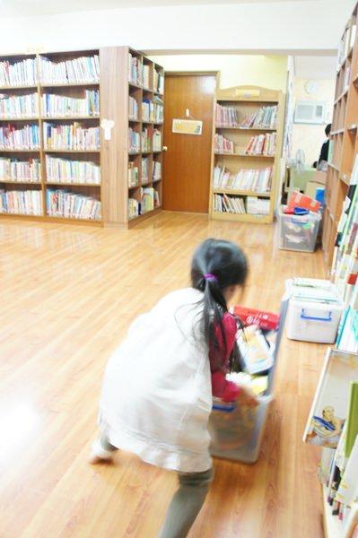 20121117小大繪本館十二週年園遊會 (18).JPG