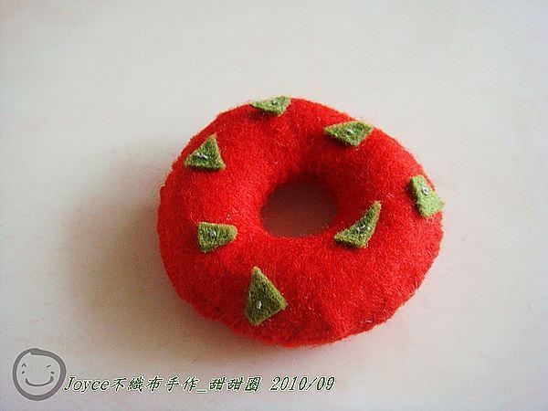Joyce不織布手作_甜甜圈201009 (4).JPG