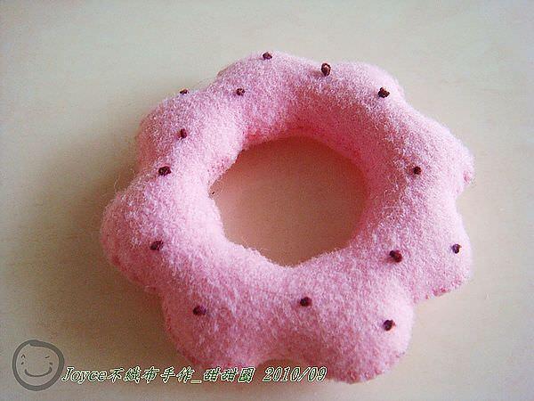 Joyce不織布手作_甜甜圈201009 (2).JPG