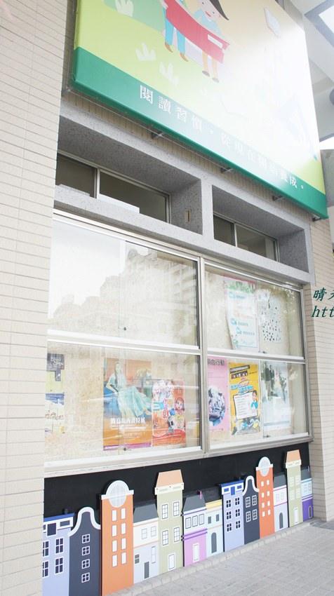 豐原圖書館大門 (1).JPG