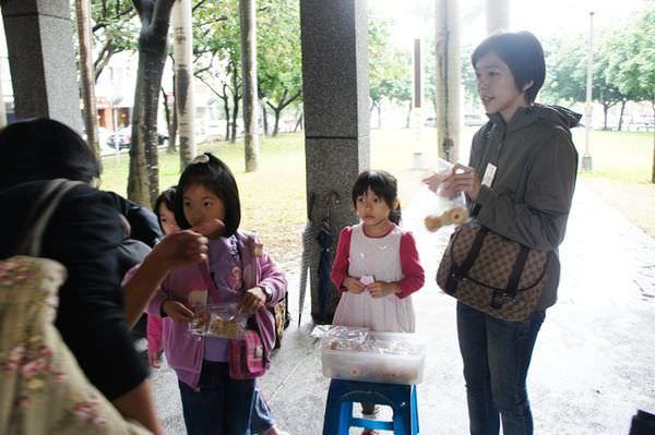 20121117小大繪本館十二週年園遊會 (81).JPG