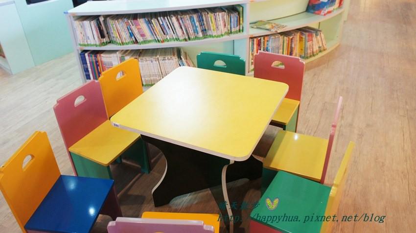 豐原圖書館二樓 兒童書區 (7).JPG