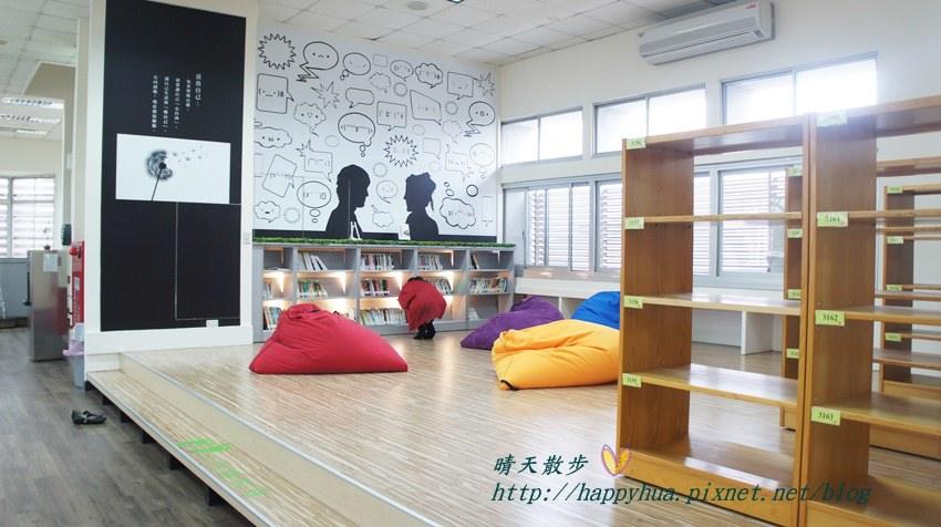 豐原圖書館三樓青少年書區 (1).JPG