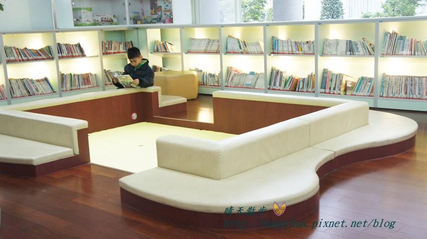 豐原圖書館一樓幼兒區 (3).JPG