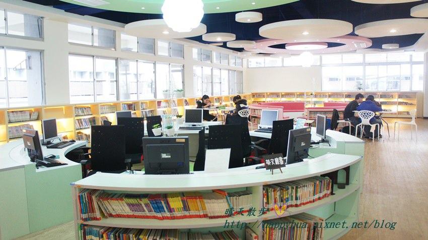 豐原圖書館二樓 兒童書區 (2).JPG