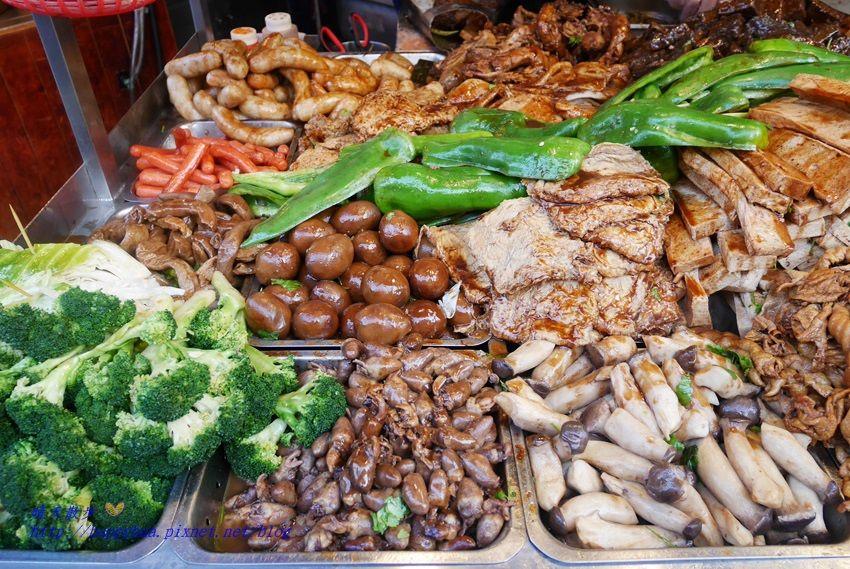 d5b0a703ab5fa82262cc86b6d3ad10bf - 中友百貨商圈、一中街商圈美食懶人包~滷味、炸物、臭豆腐、涼麵、火鍋 應有盡有
