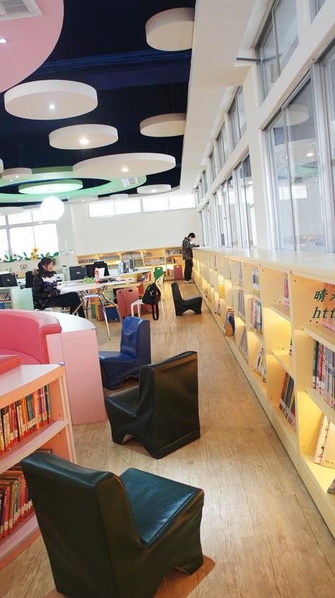 豐原圖書館二樓 兒童書區 (5).JPG